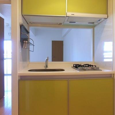 気分も上がる2口コンロの対面キッチン※画像は11階