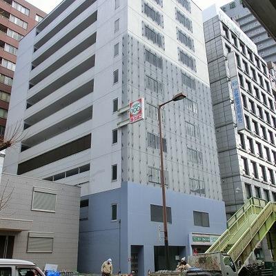 1階に100円ローソンがあり便利です