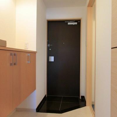 シューズボックスのあるゆとりのある玄関