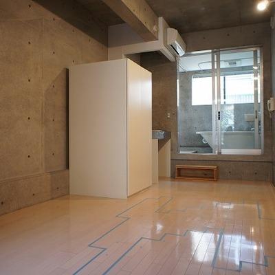 飾りみたいなバスルーム※写真は別部屋です