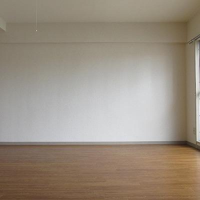 ワンルームのいいところは家具を選ばないところです!※写真は別部屋になります。