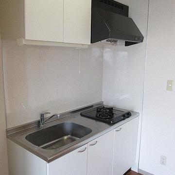 キッチンもガス二口で便利です!※写真は別部屋になります。
