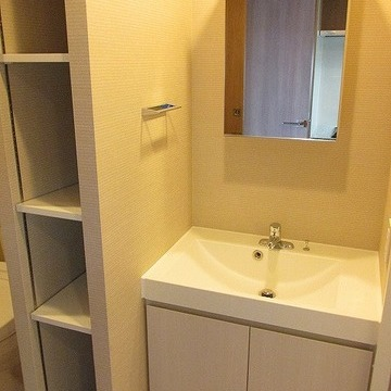 洗面台が独立しているのはうれしいですね!※写真は別部屋です。間取りは図面をご確認ください。