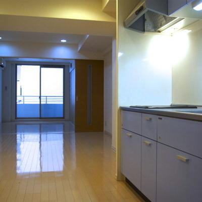 このブルーのキッチンがやっぱイイ!!※画像は606号室
