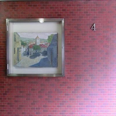 エレベーターを降りたところに1枚の絵が飾られています