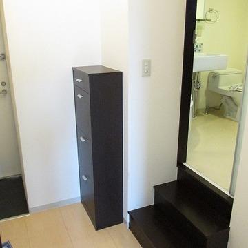 階段を上がって脱衣所に向かいます!