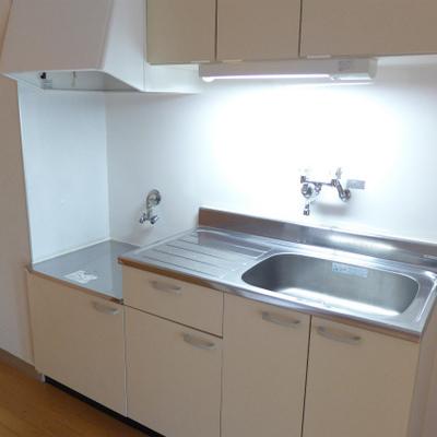 最新キッチンではないですが、使い勝手は良さそうです。