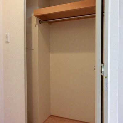 廊下に面しているクローゼット ※写真は別部屋