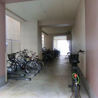 駐輪・駐車スペースも完備!