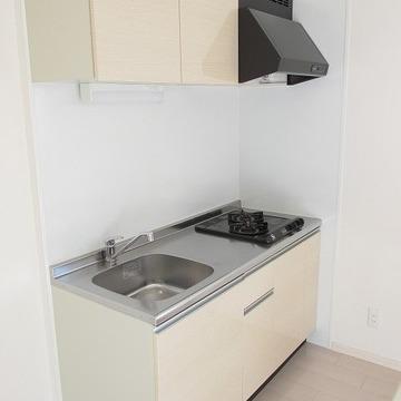 キッチンも大きめ!※写真は別部屋です。