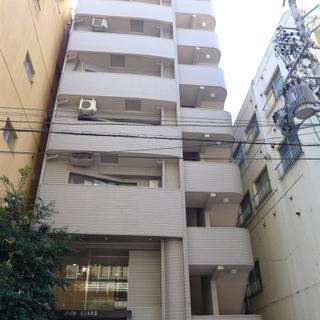 名駅すぐの住宅地!10階建マンションです