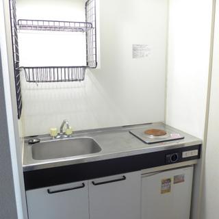 シンプルキッチン。一人暮らしであれば問題なし!
