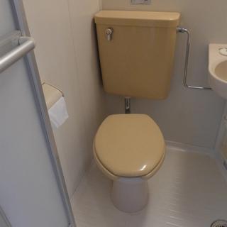 トイレは少しレトロですが清潔感は問題ありません!