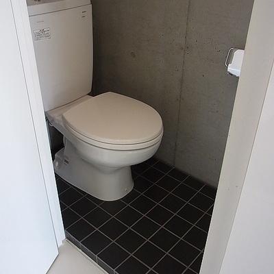 トイレは案外シンプル