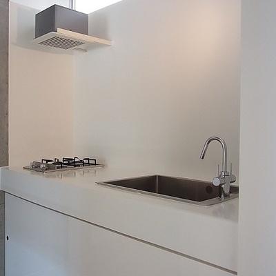 キッチンはシンプルに決めた白