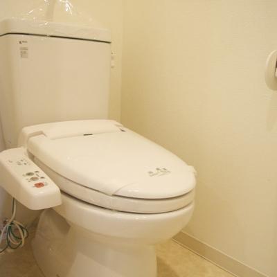 トイレもウォシュレットでオッケーです