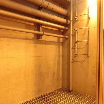 こちらは地下にあったドライルーム