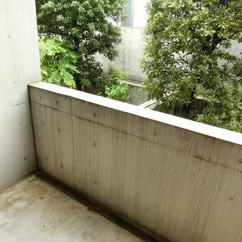 1階のバルコニー