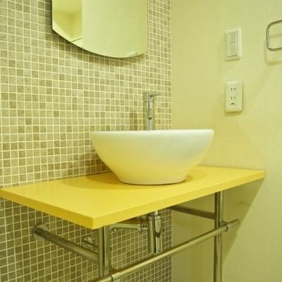 オシャレなタイルの洗面台
