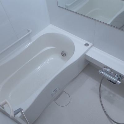 お風呂もゆとり有りますよ!