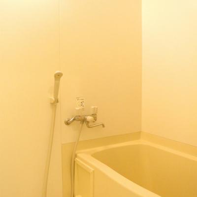 お風呂には乾燥機つき!