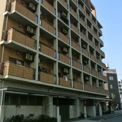 9階建てのマンション