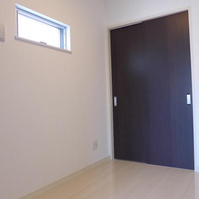 3.2畳の洋室。少し狭めです。