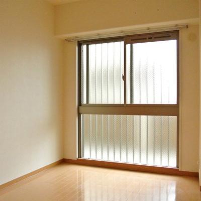 リビングのほかにお部屋は3つ。