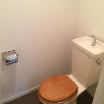 【イメージ】木製便座でかわいいトイレ