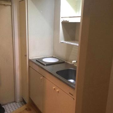 キッチンは1口IHコンロです※写真は同間取り、別部屋のもの
