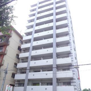 1階に100円ローソン。近くにセブンイレブンもあります!