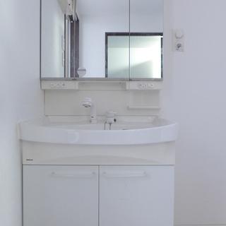 洗面台も大きめで、ピカピカ!