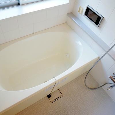 お風呂はTV付き!?