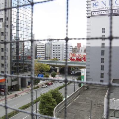 ネット越しですみません。大阪の大動脈・御堂筋