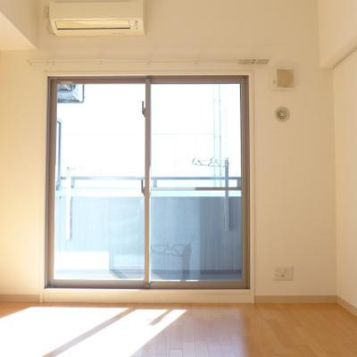 南向きのお部屋、柔らかい光が入ります!