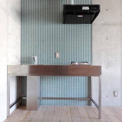 ステンレスのデザインキッチン