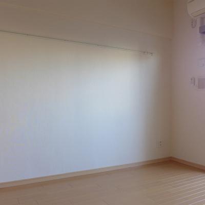 壁に絵画を掛けても素敵♪