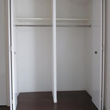 収納スペース。十分な大きさです。※写真は別部屋になります。