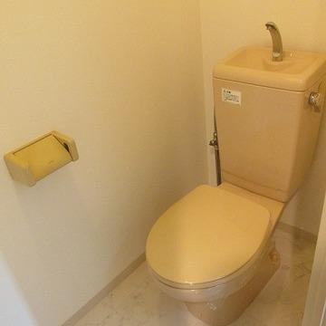 トイレは別になってますよ!