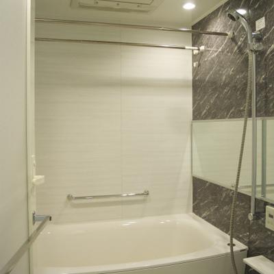 お風呂もハイグレード※写真別部屋
