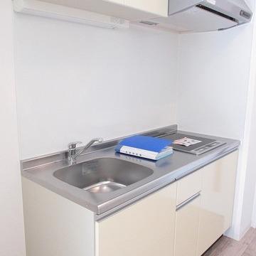 システムキッチン。収納もしっかり!