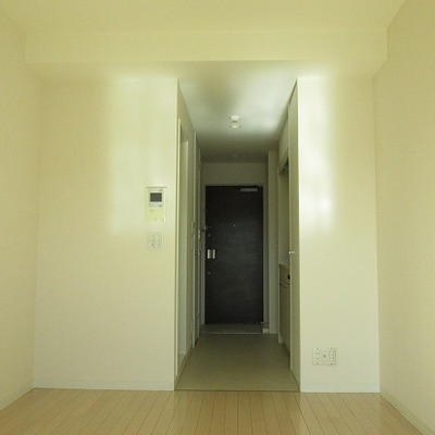 白いお部屋で清潔感あふれる。