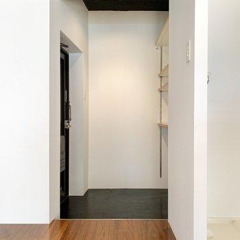 玄関スペースも広めにとられています。