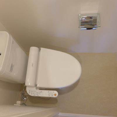 トイレは言わずもがなウォシュレット付き。