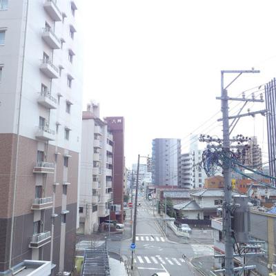 眺望もgood!周りにはマンションが沢山あります。