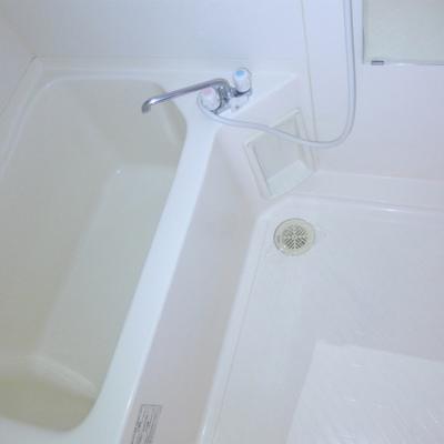 お風呂もコンパクト。