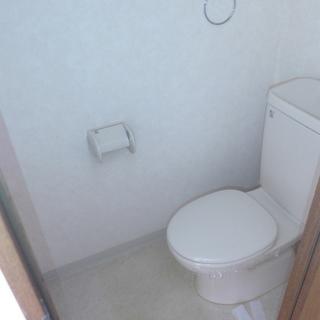 バストイレ別。ウォシュレットはついていません!