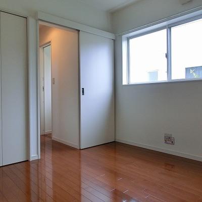 2階の洋室5.5帖