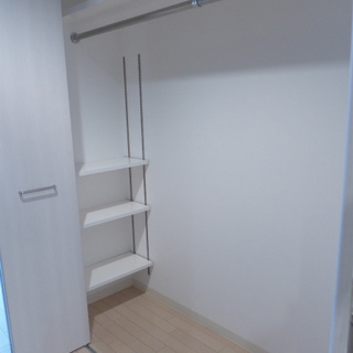 大きめクローゼットが廊下にあります。
