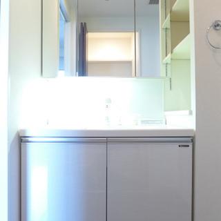 洗面台も大きい!朝の支度、取り合いになりません!